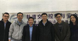 [2017/11/06]重庆大学汽车学院院长郭刚教授一行来访实验室
