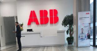 [2018/03/21]课题组参观ABB公司最新研发的小型集成化智能控制台